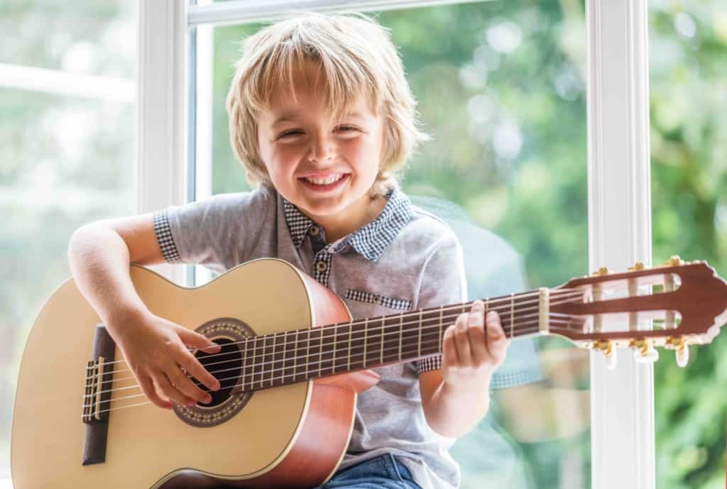 Guitar Classes & Lessons For Kids and Toddlers