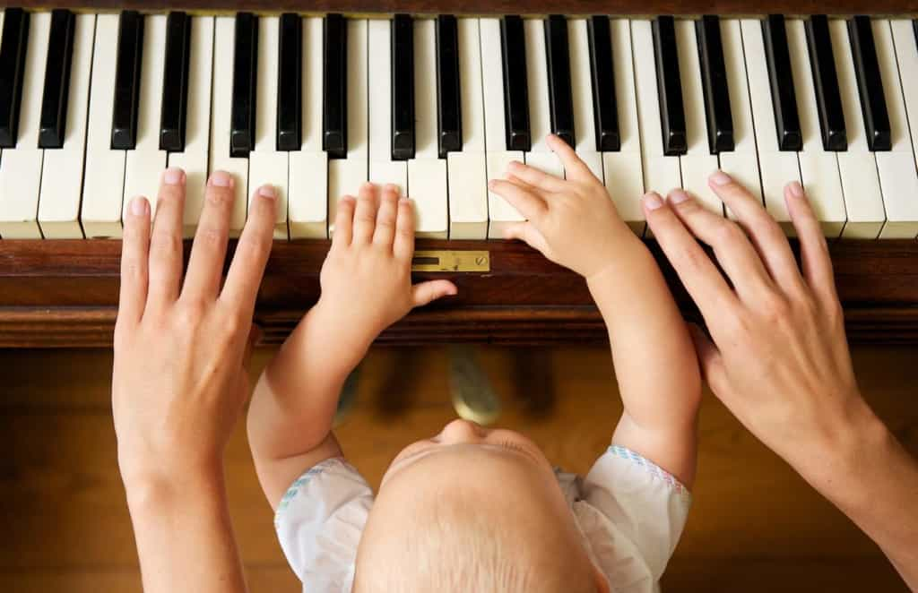 2year old kid playing piano