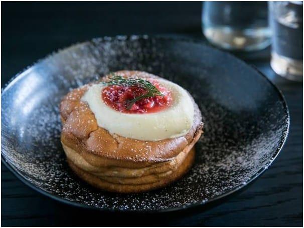 Edition Café's Gorgeous Souffle Pancake